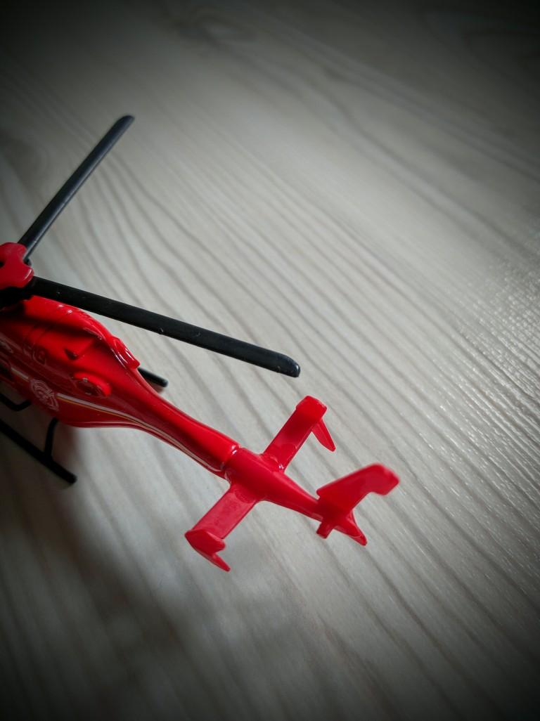 how-to-repair-plastic-toys-006, Repair toys, Repair plastic toys, Cable tie, Super glue
