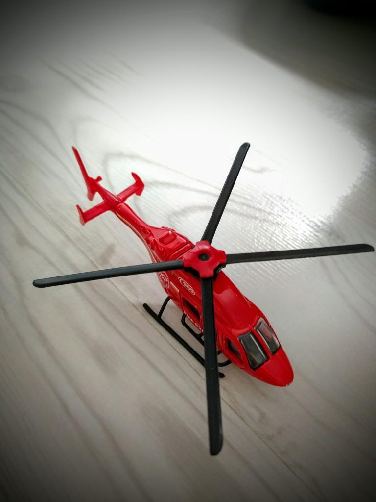 how-to-repair-plastic-toys-007, Repair toys, Repair plastic toys, Cable tie, Super glue