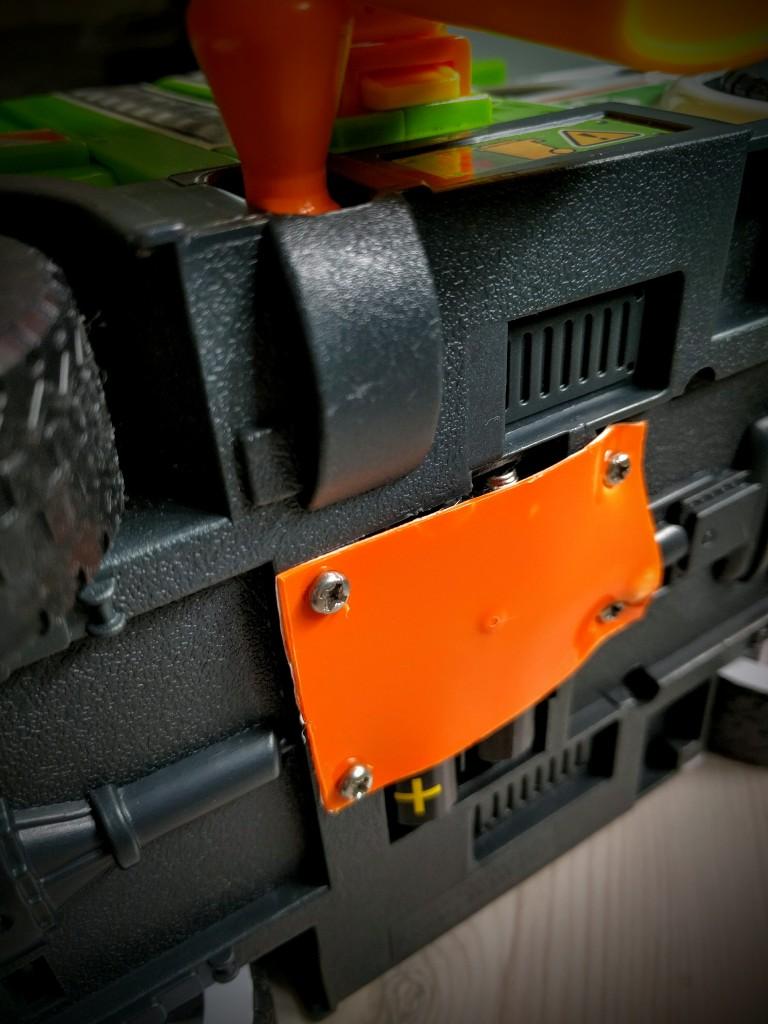 how-to-repair-plastic-toys-010, Repair toys, Repair plastic toys, Cable tie, Super glue