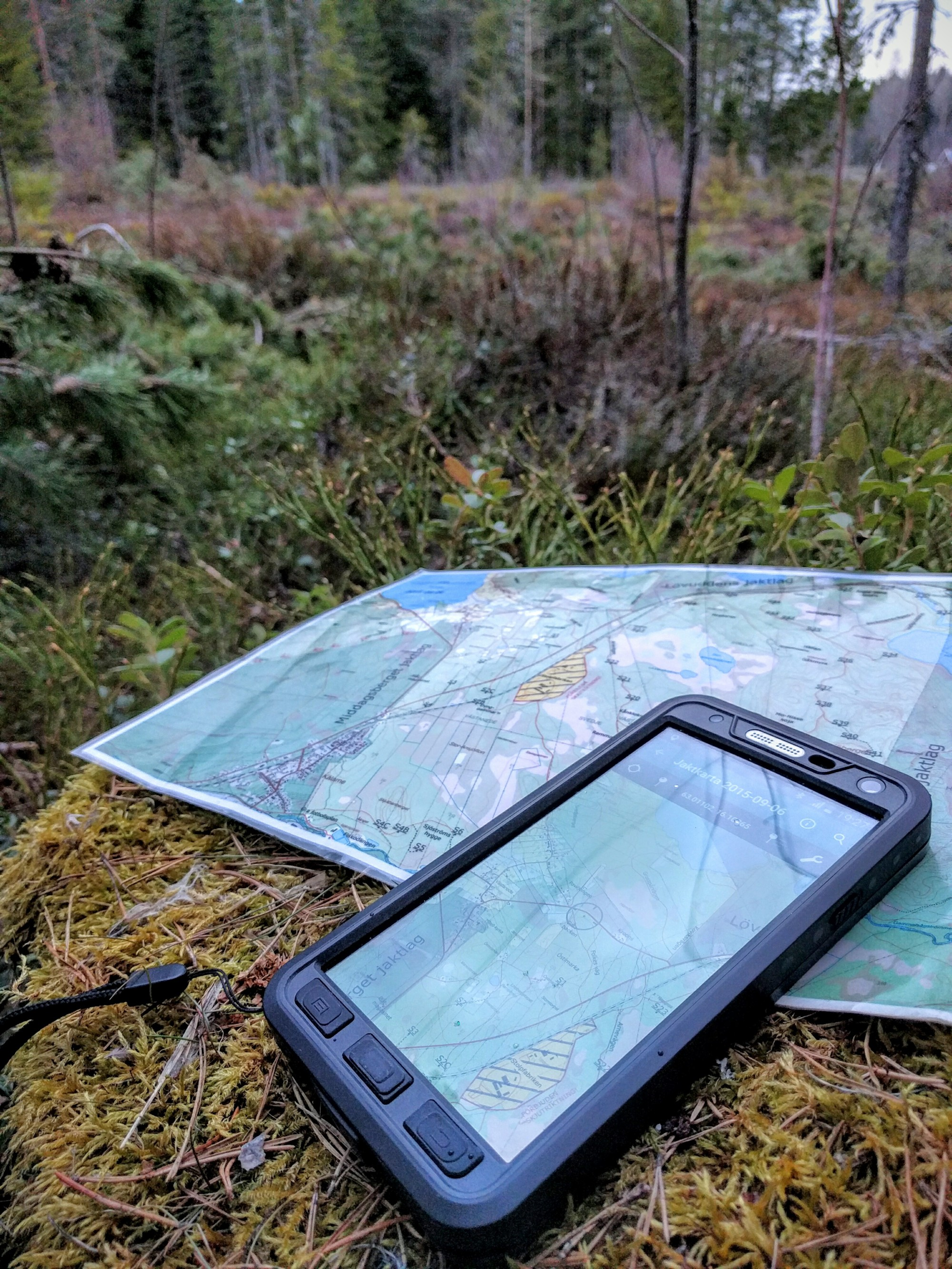 pdf maps, avenza maps, paper map in forest, paper map, digital map