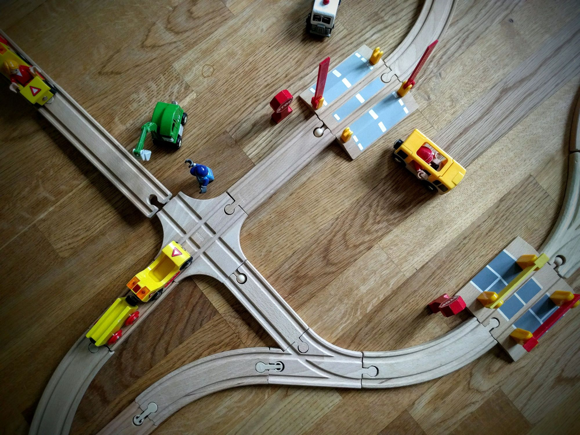 Wooden train set, Brio wooden train, Thomas & Friends wooden train, Chuggington wooden train