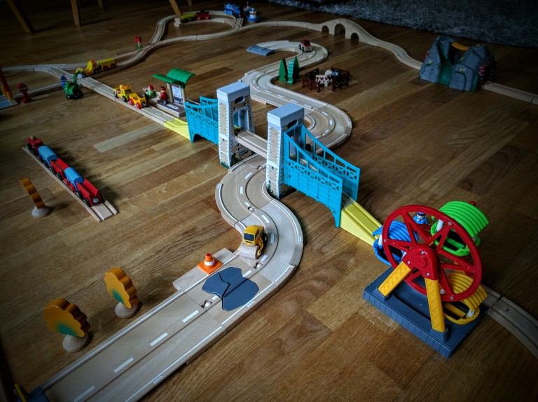 Wooden-train-set-for-kids-010, Brio wooden train, Toy train, Toy wooden train, Thomas & Friends wooden train, Chuggington wooden train, Wooden train set